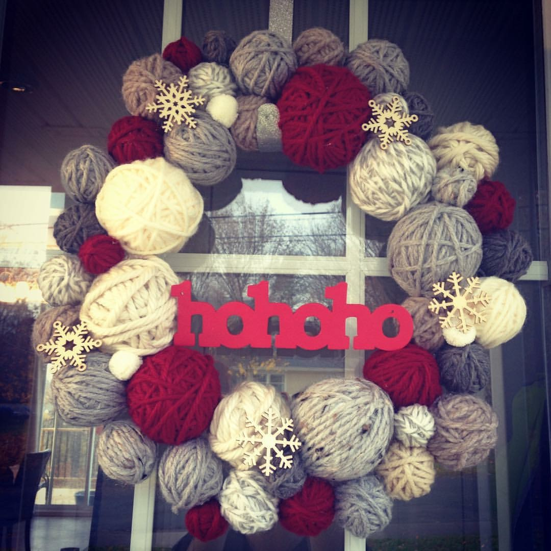 DIY Yarn Ball Wreath With Nicole